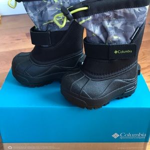 NWT Columbia toddler boots